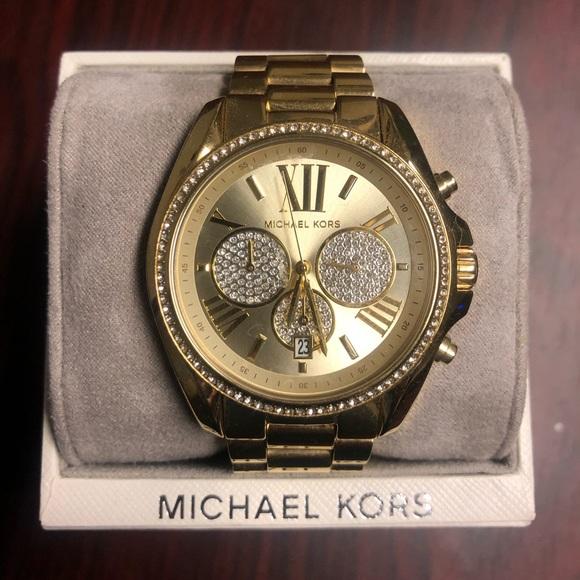 d0f74df91f6c Michael Kors Gold Watch. M 5cc629f829f030d16d0ffd01
